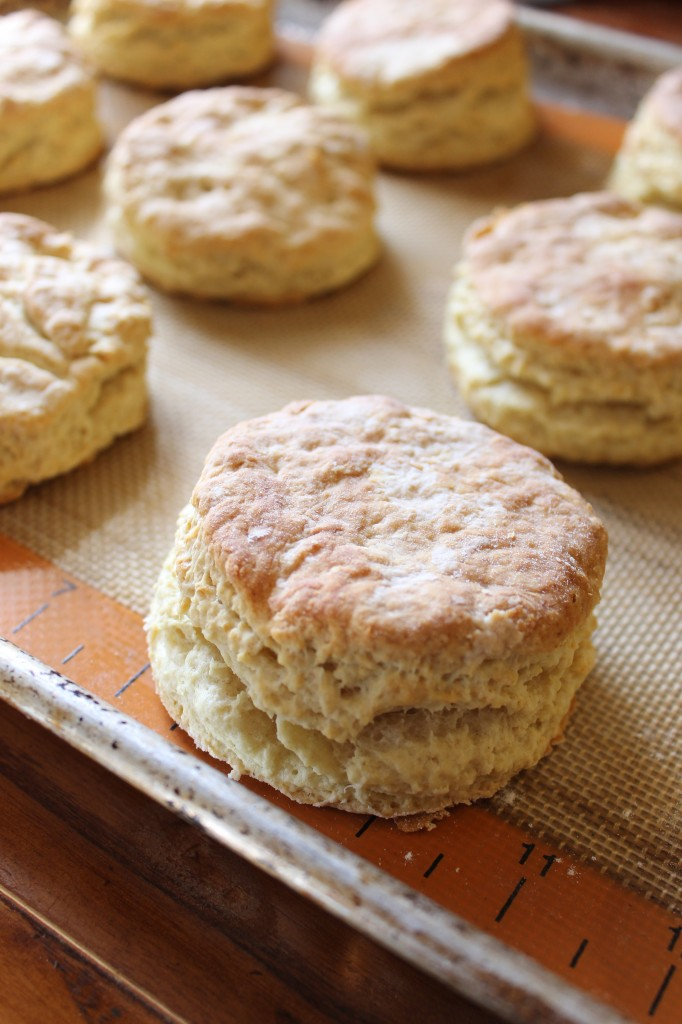 Buttermilk Biscuits | Natural Chow | http://naturalchow.com