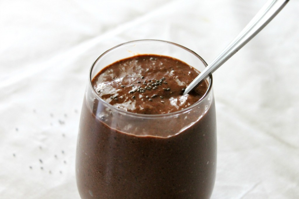 Rich Vegan Chocolate Chia Seed Pudding | Natural Chow | http://naturalchow.com