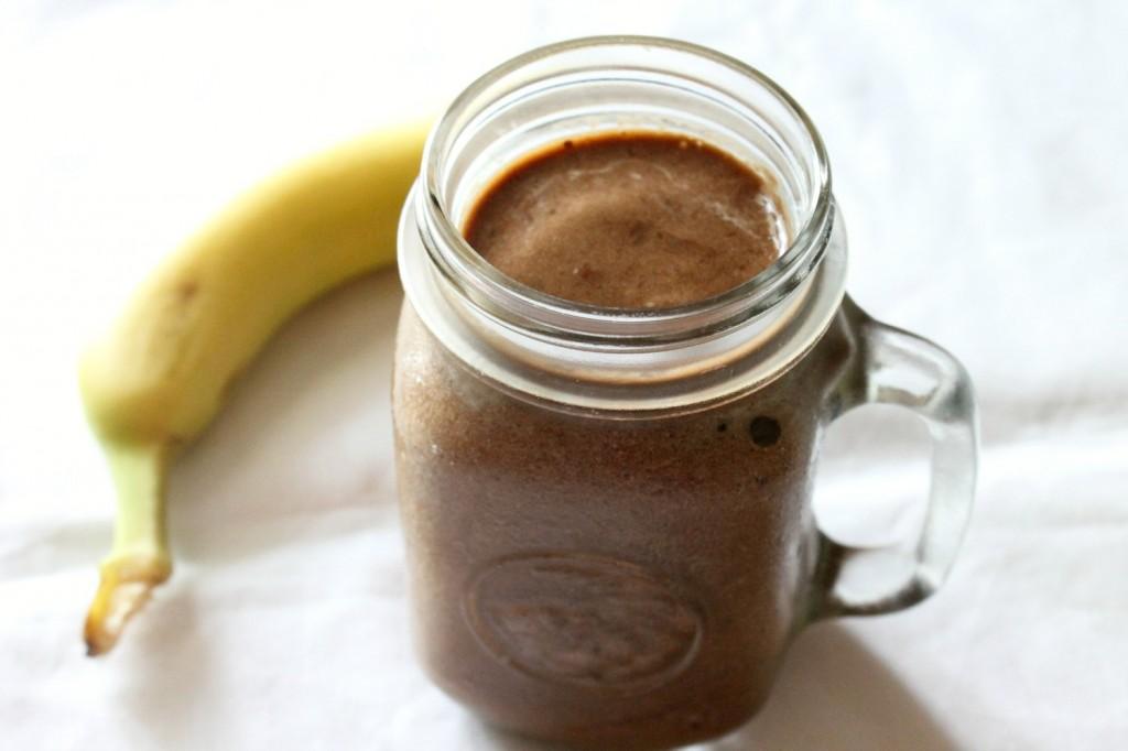Mocha Banana Milkshake | Natural Chow | http://naturalchow.com