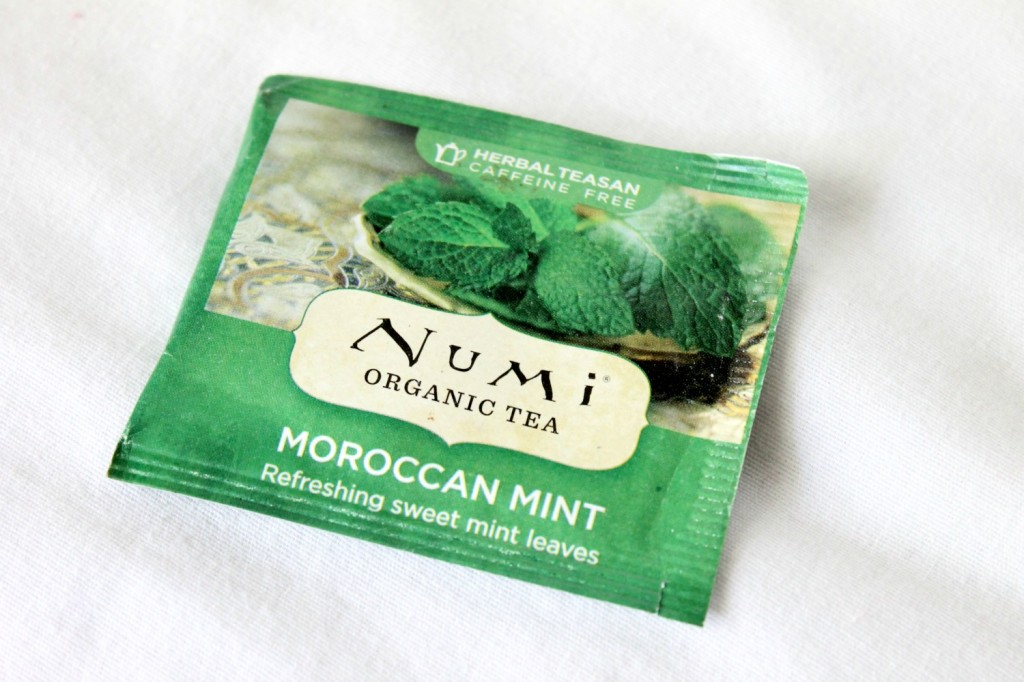 Iced Mint-Raspberry Tea with Chia Seeds | Natural Chow | http://naturalchow.com