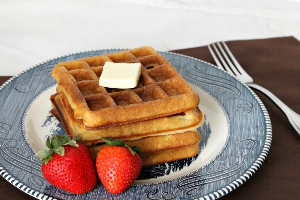 Classic Buttermilk Waffles | Natural Chow | http://naturalchow.com