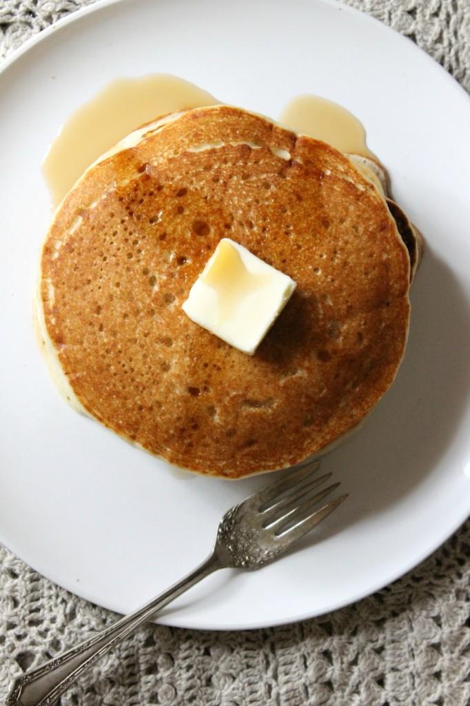 Gluten Free Buttermilk Pancakes | natural Chow | http://naturalchow.com