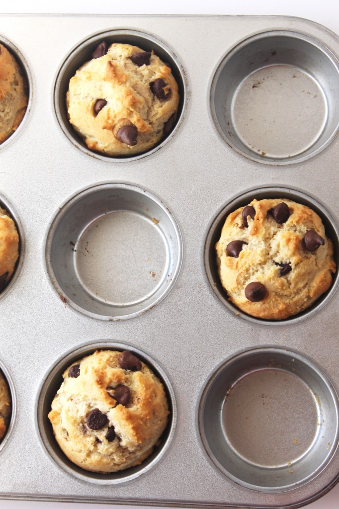 This easy recipe for gluten free chocolate chip muffins using Bob's Red Mill Gluten Free 1-to-1 Baking Flour takes only 30 minutes to make—start to finish.