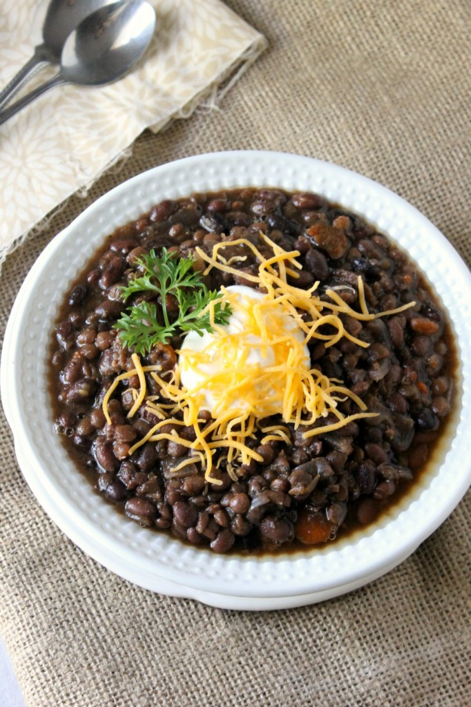 Slow Cooker Black Bean and Lentil Soup | Natural Chow | http://naturalchow.com