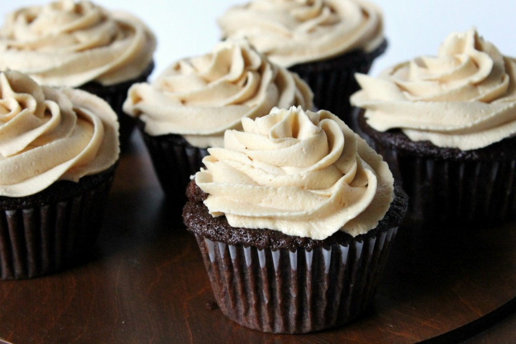 Healthier Chocolate Cupcakes with Peanut Butter Frosting | Natural Chow | http://naturalchow.com