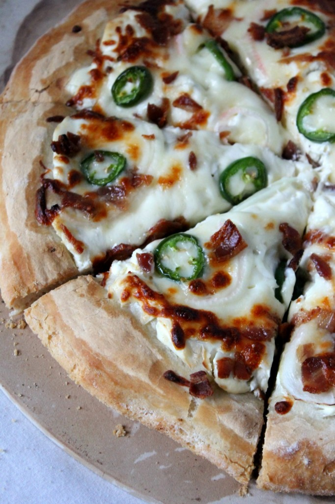 Jalapeño Popper Pizza | Natural Chow | http://naturalchow.com