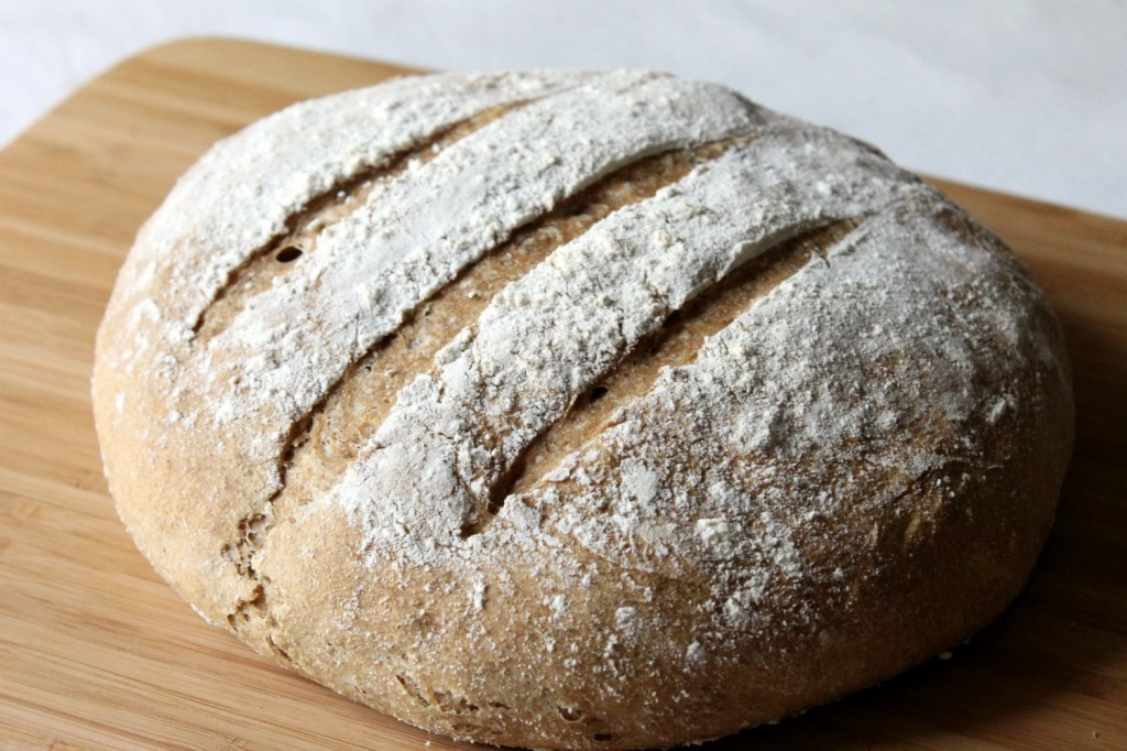 Homemade Whole Wheat Crusty Bread | Natural Chow | http://naturalchow.com