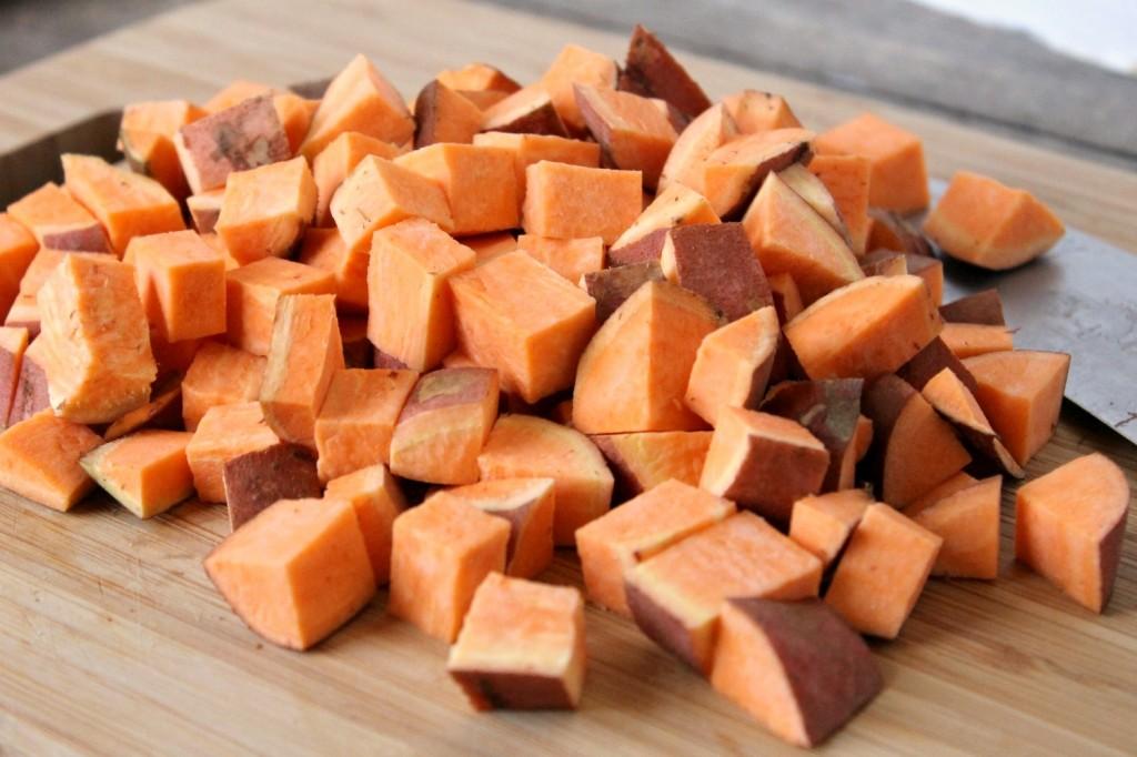 Roasted Sweet Potato, Wild Rice, and Arugula Salad | Natural Chow | http://naturalchow.com