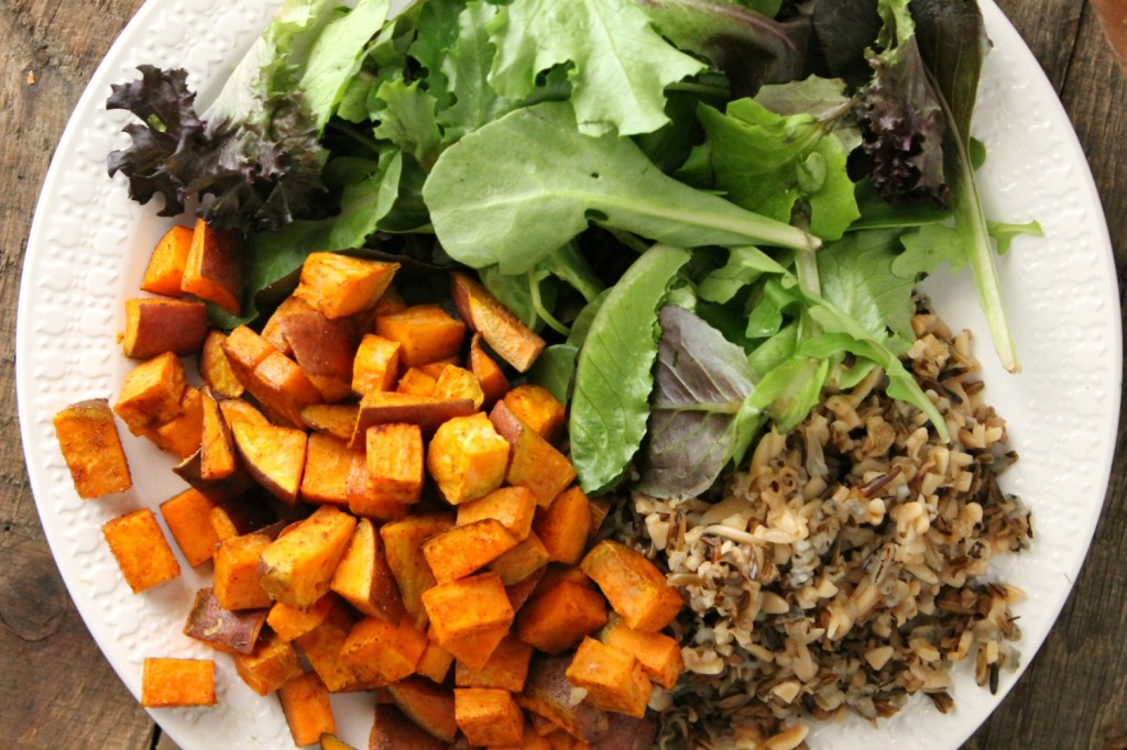 Roasted Sweet Potato, Wild Rice, and Arugula Salad | Natural Chow | http://naturalchow.com
