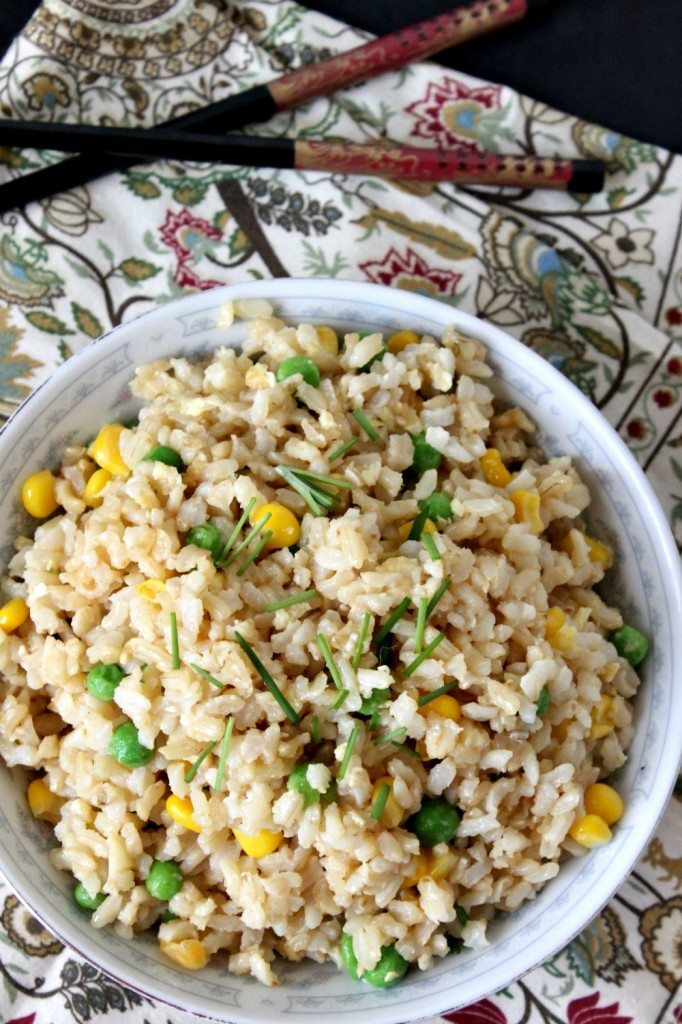 10 Minute Veggie Fried Rice | Natural Chow | http://naturalchow.com