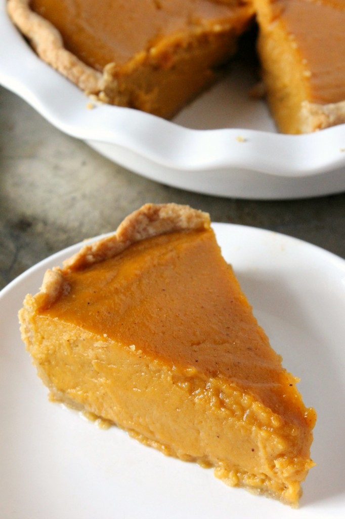 The Best Homemade Sweet Potato Pie | Natural Chow | http://naturalchow.com