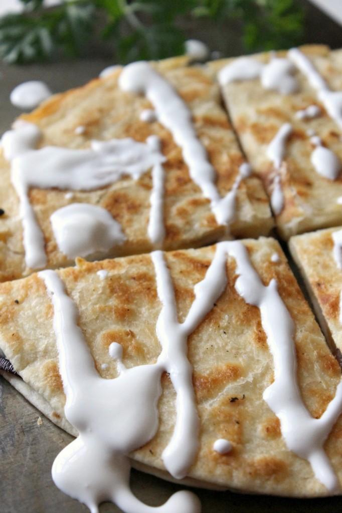 Smoked Gouda Veggie Quesadillas | Natural Chow | http://naturalchow.com