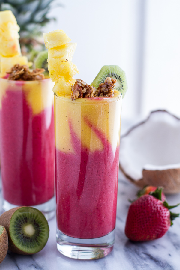15 Healthy Smoothie Recipes | Natural Chow // 15 simple, quick, and healthy smoothies to start your day out right! #smoothie #healthy #recipe #loseweight via @margaretdarazs