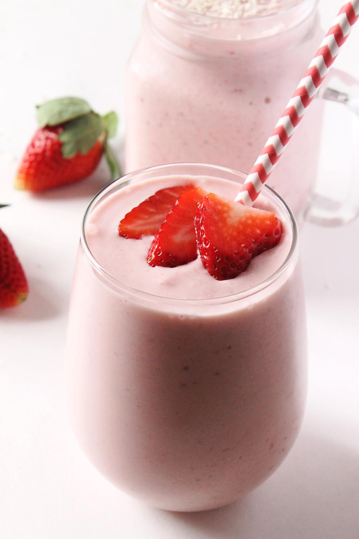 strawberry pi a colada smoothie natural chow