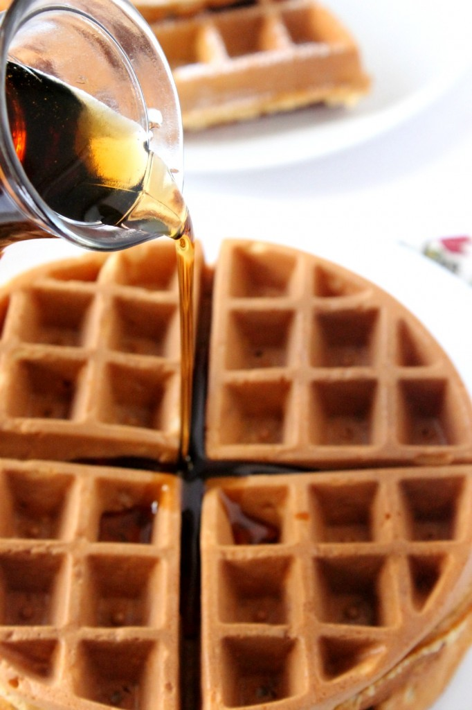 Fluffy Whole Wheat Waffles | Natural Chow #breakfast #recipe #healthy