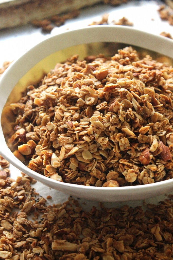 Cardamom almond coconut granola cereal natural chow cardamom almond coconut granola cereal crunchy sweet and bursting with warm ccuart Image collections