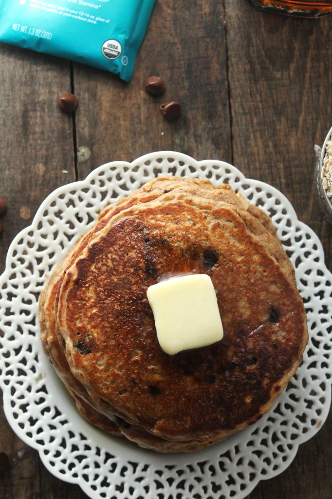 Fluffy whole grain pancakes loaded with chocolate chips and packed with protein for a delicious and healthy breakfast, ready in less than 30 minutes!