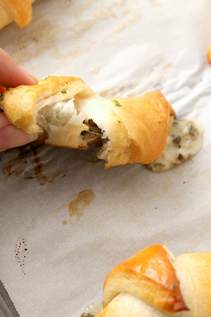 These cheesy, buttery pesto mozzarella crescent rolls are a low-stress, low-mess appetizer. Perfect for parties, holiday get-together's, or even just weeknight dinners!