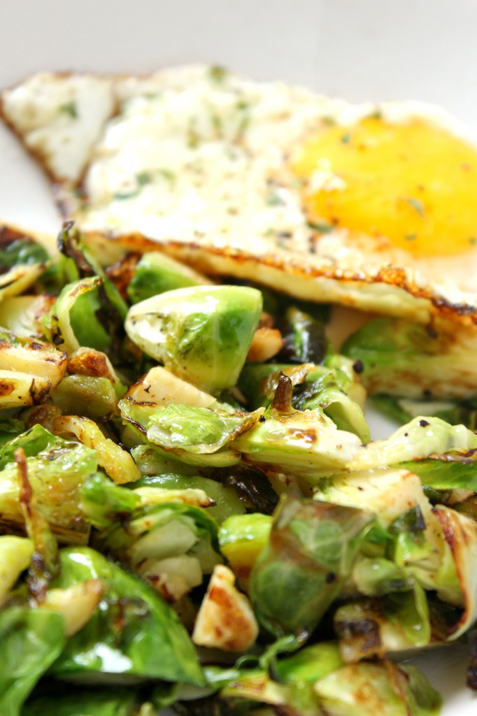 These brussels sprouts and eggs are a simple and savory breakfast you can make in less than 10 minutes, perfect for busy mornings!